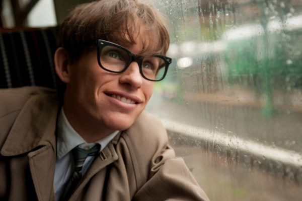 the-theory-of-everything-eddie-redmayne-2-focus-features-960x623
